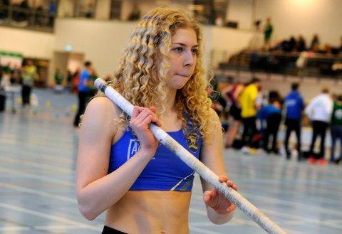 FOR HALV MASKIN: Hedda Marie Kjølberg Hauge hoppet bare med halvt tilløp da hun lett vant junior NM.