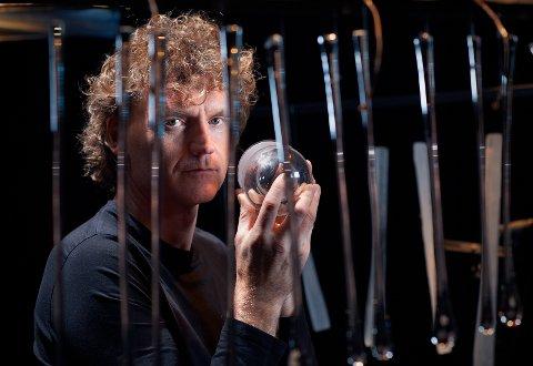 «Alle» vil ha en bit av denne unike, norske perkusjonisten og musikkmakeren