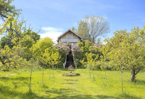 VEKST I BOLIGMARKEDET: Det var stor interesse for Lindehagen på Bomannsvik. Åse Kleveland var en av mange som ville se på boligen da det var visning i juni.