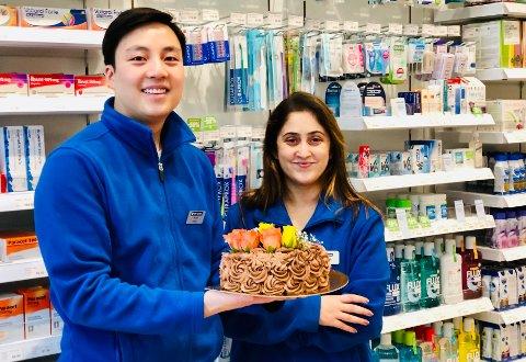 Farmasøytene Peter Vo og Sania Shafiq  fikk seg en overraskelse denne uka.