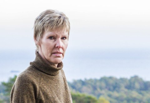 Overrakte dommen: Elisabeth Gundersen i støttegruppa har i sommer bodd to uker sammen med familien i Skien.foto: aab