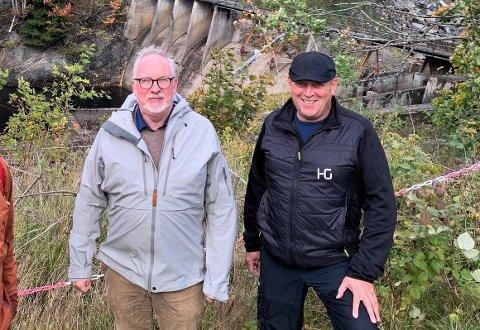 I DIALOG: Ordfører Per Kristian Lunden (t.v.) og Tom Jensen i Fossberg Kraft har fredag vært i samtaler om selskapet salgs av fem kraftverk på Vestlandet. Her fra en befaring på Søndeled i fjor høst.