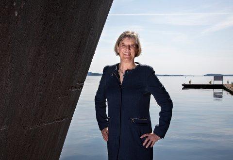 KRISTIANSAND: Kvindølen Camilla B. Dunsæd trives som kommunedirektør. Nå har hun også valgt å flytte til Kristiansand, sammen med mannen sin.