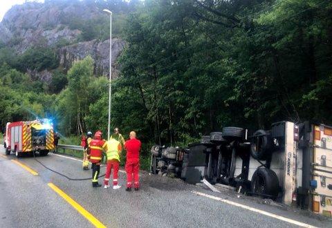 Føreren av vogntoget ble ikke påført skadet, ifølge politiet.
