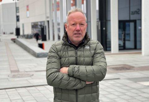 Jan-Oddvar Sørnes mener at kommunedirektør Kjell Hugvik har en gyllen mulighet til å bygge en kultur som ivaretar varslere. Den håper han ikke misbrukes.