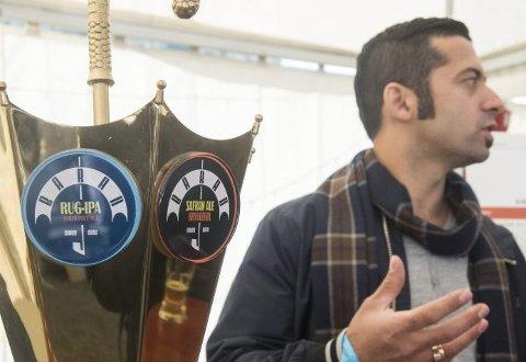 Ali Mostofi overrasket med eget safran-øl på festivalen.