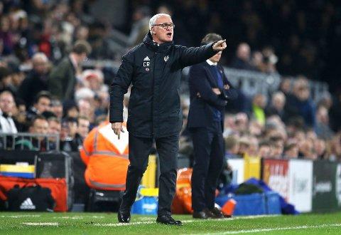 Fulham og manager Claudio Ranieri må begynne å ta poeng om de ikke skal rykke ned. (Steven Paston/PA via AP)