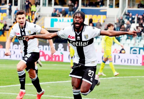 Den tidligere Arsenal- og Roma-spissen Gervinho  er spydspiss i Parma-angrepet.