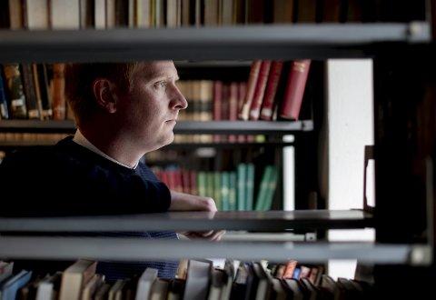 Erlend O. Nødtvedt høstet mye kritikerros for den elleville roadtrip-romanen «Vestlandet». I midten av oktober slipper han «Slekter».