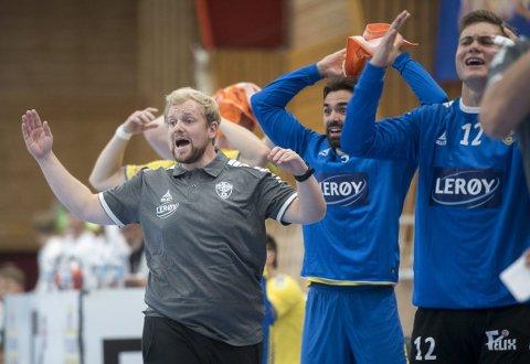Fyllingen-trener Fredrik Ruud rakk å være Runar-trener i én sommer før han måtte gå. Ultimatumet hans ble støttet av spillerne, men ikke styret. Så endte han opp i Bergen.