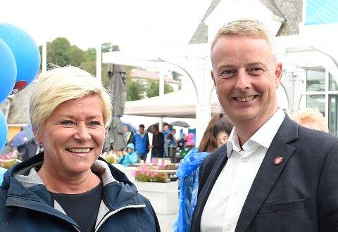 Terje Søviknes synes det er tungt at Siv Jensen nå gir seg. Her er de to avbildet på valgkampåpningen i Os i 2019. Arkivfoto: Marit Hommedal/NTB