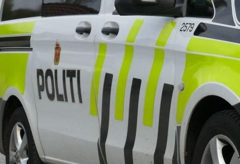 Klager: Politiet dro ut til Randaberg videregående, etter klager fra beboere i området.