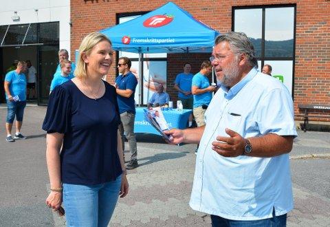 VALGVINNERE: Sylvi Listhaug og Morten Wold (FrP) vant skolevalget ved Buskerud videregående. Også nasjonalt gjorde partiet det godt.