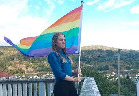 SNAKKAR HØGT: Bare dei nærmaste har visst at Aina Emilie Skåland er bifil. Nå held ho flagget høgt.