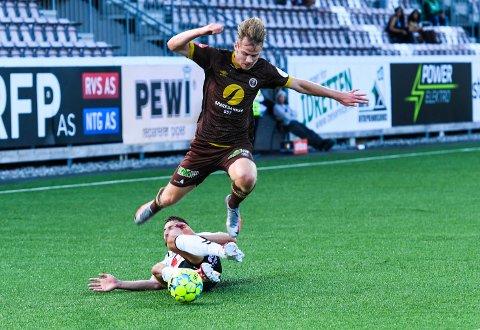 William Sælid Sell rotet det ordentlig til for seg selv på 0-2-målet.
