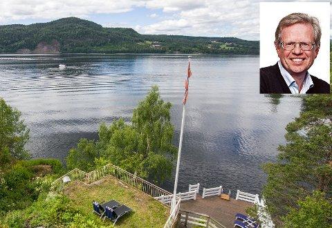 MORNA: Bjørn Braathen (innfelt) er en av beboerne ved Eikeren nær fylkesgrensa til Vestfold. Han har hatt internett i 10 år – nå er det slutt.