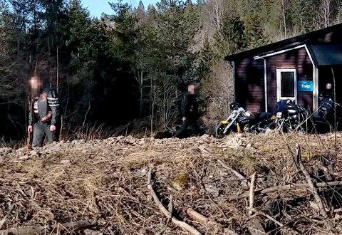 Representanter fra en motorsykkelklubb var på visning på en eiendom i Enebakk tidligere i år.