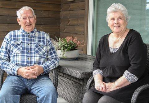 TRIVST: Marit og Harry Østvik har budd i Austvika heile sitt liv.