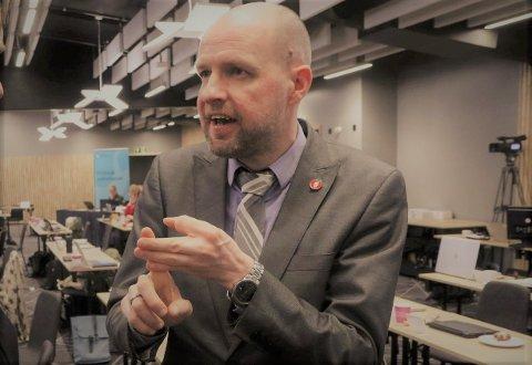 MÅ TA GREP: Frank Willy Djuvik (Frp) meiner det nye eigedomsskatte-regimet for Kinn må endrast umiddelbart.