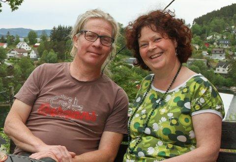 OPPUSSING: Anne Grethe Brandsøy og Kjetil Eika er godt i gong med oppussinga