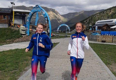 SUNNFJORDINGAR I VM: Karoline Holsen Kyte (t.v.) frå Førde vart nummer 25, medan Eli Anne Dvergsdal frå Jølster vart nummer 45 i VM i motbakkeløp.