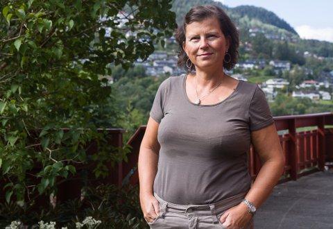 FEKK KREFT: Livmorhalskreft er den tredje største kreftforma som råkar kvinner globalt, og er den vanlegaste kreftforma blant kvinner under 35 år. Unni Kriken fekk livmorhalskreft i 2014. No oppmodar ho alle om sjekke seg.