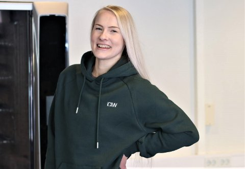 VIKTIG: – Dette er viktig både for oss, våre medlemmar og utviklinga vidare, seier Marita Aasen, dagleg leiar hjå Høyanger Treningssenter. Dei håper kommunen vil stemme for eit nytt treningssenter ved Høyangerhallen, då dei treng nye lokale.