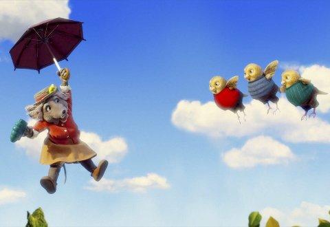 Bestemor Skogmus flyr av sted på en himmel