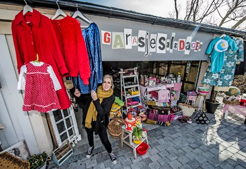 GLEDER SEG: Charlotte Brostrøm er klar for Garasjesalgdagen 23. april.