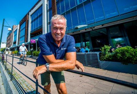 REKORDSOMMER: Daglig leder Petter Eriksen hos Paa Brygga og kollegene hans kan se tilbake på en travel juli måned der alle tidligere rekorder ble  slått.