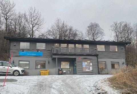 Reduserer: Bibliotekene i Hamarøy må redusere åpningstidene i år både på grunn  av budsjettkutt og reforhandling av samarbeidsavtale.