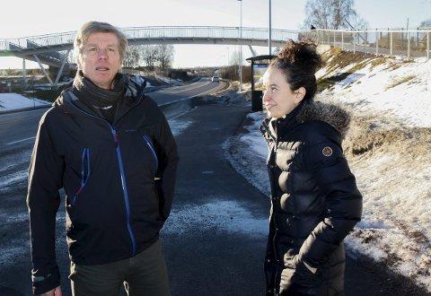 BEKYMRET: Svein-Erik Figved og Jennifer McConachie er bekymret for luftkvaliteten mellom Linden og Hortenstunnellen.
