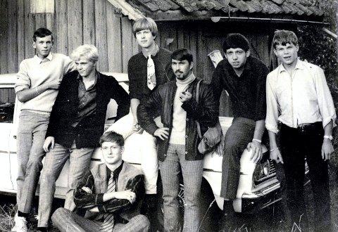 BANDET: Dette er Big Impress på slutten av 60-tallet; fra venstre Trond Andersen, Ragnar Iversen, Rune Sletterød. Reidar Bjørge Andersen, Jan-Erik Sørensen, Steinar Kareliussen og Terje Kristensen.