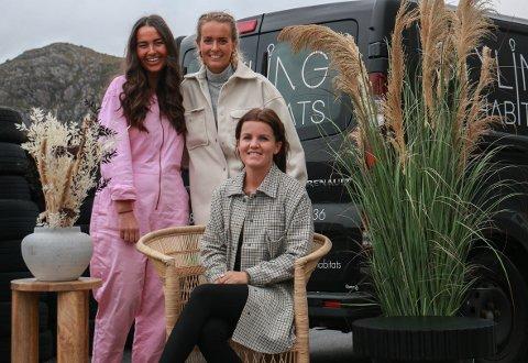 Nina Eik (fremme) startet Styling habitats i starten av 2019. Med seg på laget har hun fått Rebekka Rabben (t.v.) og Nora Mork.
