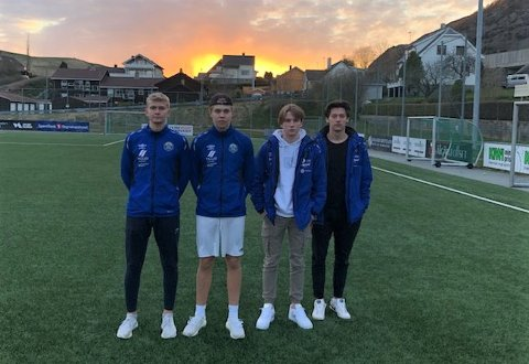 Ørjan Johnsen (fra venstre), Odin Skjæveland Haaland, Karsten Lübekk og Simon Sele er de eneste Figgjo-spillerne som har kunnet trene med nærkontakt. Årsaken er at de er under 20 år.