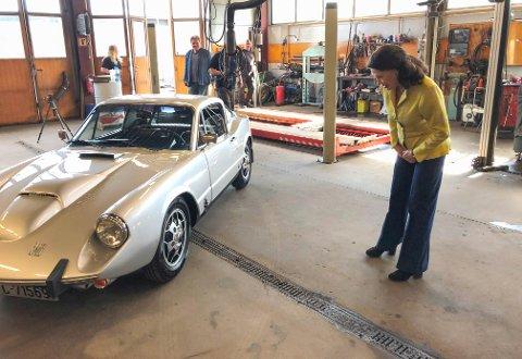 HJERTELIG GJENSYN: Mandag ettermiddag kunne Åse Kleveland hente den spesielle bilen sin i Kongsvinger.
