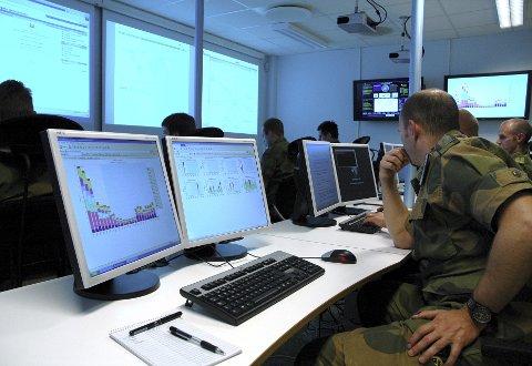 BEKYMRET: Stortingsrepresentant Rigmor Aasrud ønsker enoppdatering fra forsvarsministeren om hvordan prosessen med samlingen av Forsvarets IKT-tjenester på Jørstadmoen går.