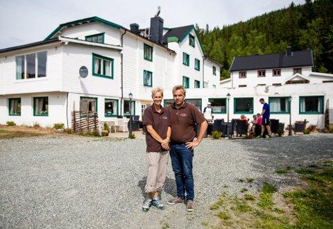 Reiselivsvertene Kari Anne og Tom Sukkestad kjøpte fjellstua i Espedalen 2016.