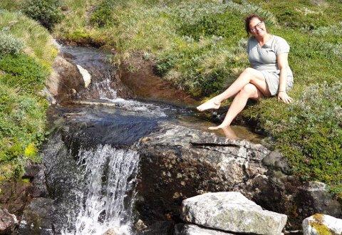 FRILUFTSMENNESKE: Cecilie Bergseng Kinde går ofte turer i fjellet. Her fra en tur på Synnfjellet tidligere i år.