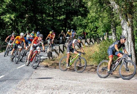 VELLYKKET: Grenserittet ble nok en gang av det vellykkede slaget, og 2720 syklister stilte til start.