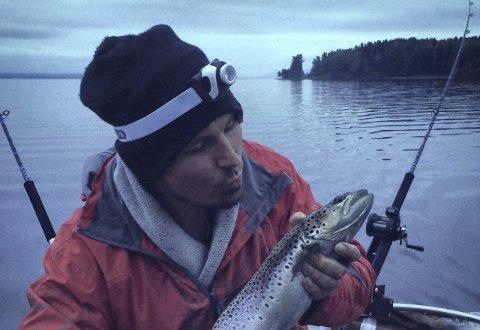 Ivrig: Jens Haugen har mange timer på Mjøsa denne sommeren.