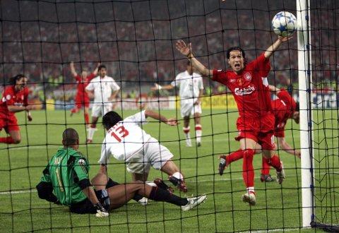 FEIRING: Luis Garcia feirer scoringen til lagkamerat under Champions League-final mellom AC Milan og Liverpool i 2005.