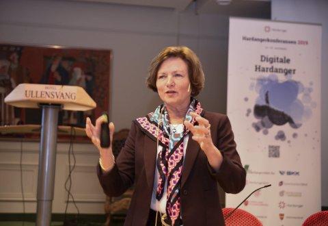 Trur på vekst: Elisabeth Morthen, adm.dir. i Gartnerhallen, formidla stor tru på vekst i frukt- og grøntnæringa i åra fram mot 2030. Foto: Eli Lund