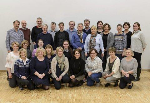 AD lIBITUM:  Koret fra Sveio har konsert med Sigvart Dagsland i Sveio kyrkje.