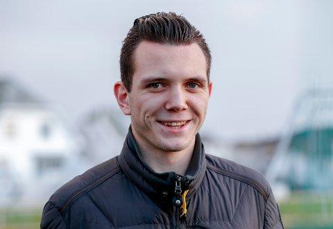 KLAR FOR ELITEN: Alf Olav Rossland fra Åkra IL debuterer som assistentdommer i Eliteserien lørdag kveld.