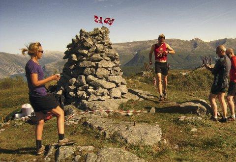 SOM I FJOR: Lasse Blom var raskest til toppen på Hilstadfjellet søndag slik han var det i fjor (bildet).