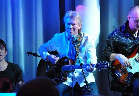 GIKK BORT: Jostein Johansen er død. Her fra en konsert for noen år siden.