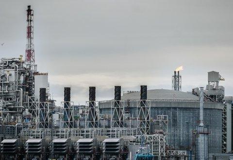 - Dessverre har det ikke så mye å si for klimaet at norsk sokkel elektrifiseres, det er selve produksjonen av olje og gass som må trappes ned, skriver innsenderen. Bildet viser anlegget på Melkøya.