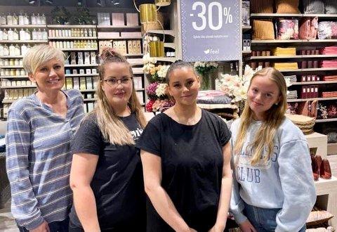 INTERIØRHJELPEN: Fra venstre: Siw Berntsen, Butikksjef Tova Marlen Raum, Iselin Kristiansen og Anne Hermo på Feel Kanebogen.