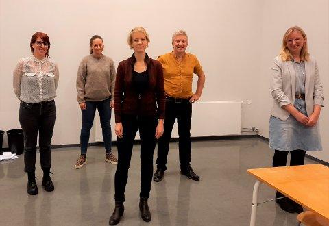 PÅ SV-LISTA TIL STORTINGSVALET: Frå venstre Anniken Tjøstheim, Bettina Lindgren, Ingrid Fiskaa, Paal Kloster og Alice Akselsen.